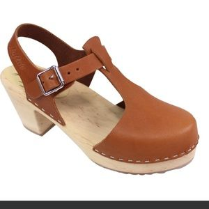 LOTTA FROM STOCKHOLM T BAR Highwood TAN Clogs 8.5